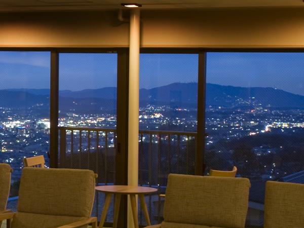 TOP【奈良市内が一望できるロビー】月の棟 3階