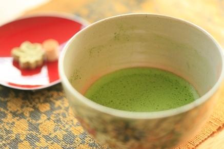 ご到着後、古都奈良を一望できるロビーにてお抹茶でご一服♪