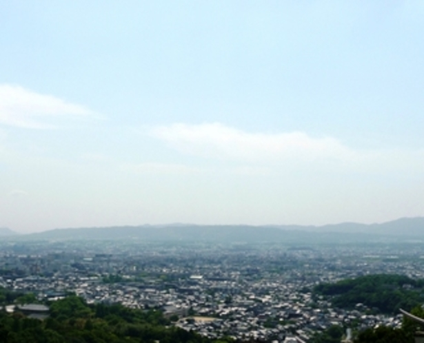 ロビーから眺めは格別!奈良市街を一望♪