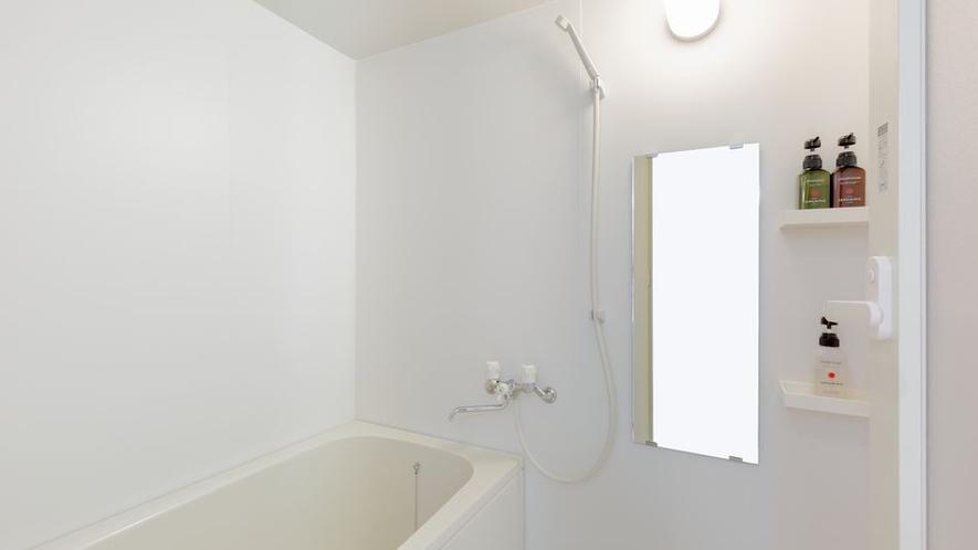クアドルプルルームのバスルーム