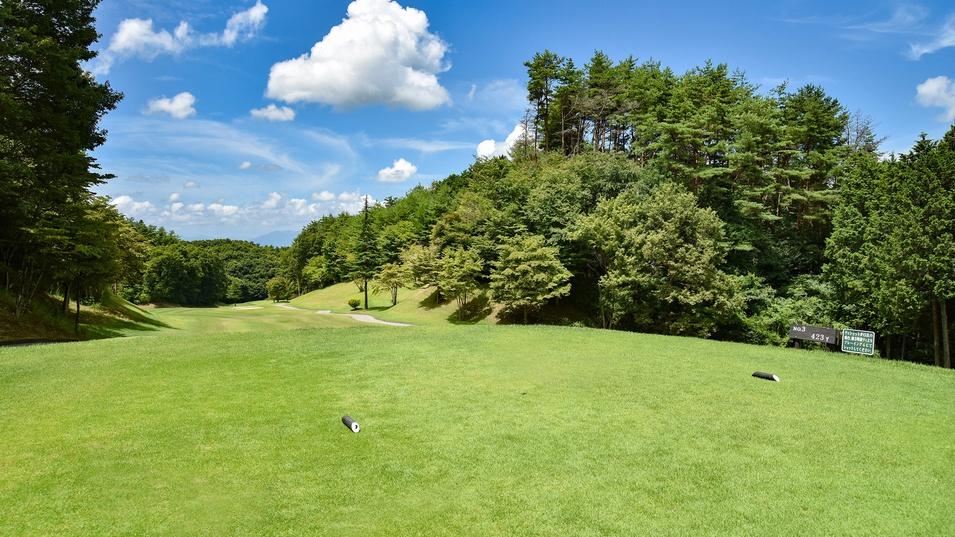 *ゴルフコース/美しい自然に囲まれた戦略性豊かなコースレイアウト