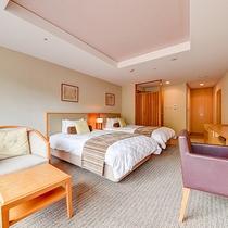 *ツインルーム/セミダブルベッド、広々28平米のお部屋はインテリアにもこだわっています。