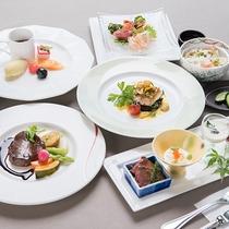 *夕食一例/地場の新鮮な素材を使用したバラエティに富んだ四季折々の創作メニュー