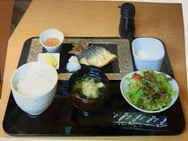 日替わり朝食(サバの塩焼き)
