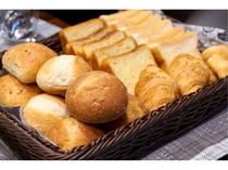 朝食バイキング(パン例)