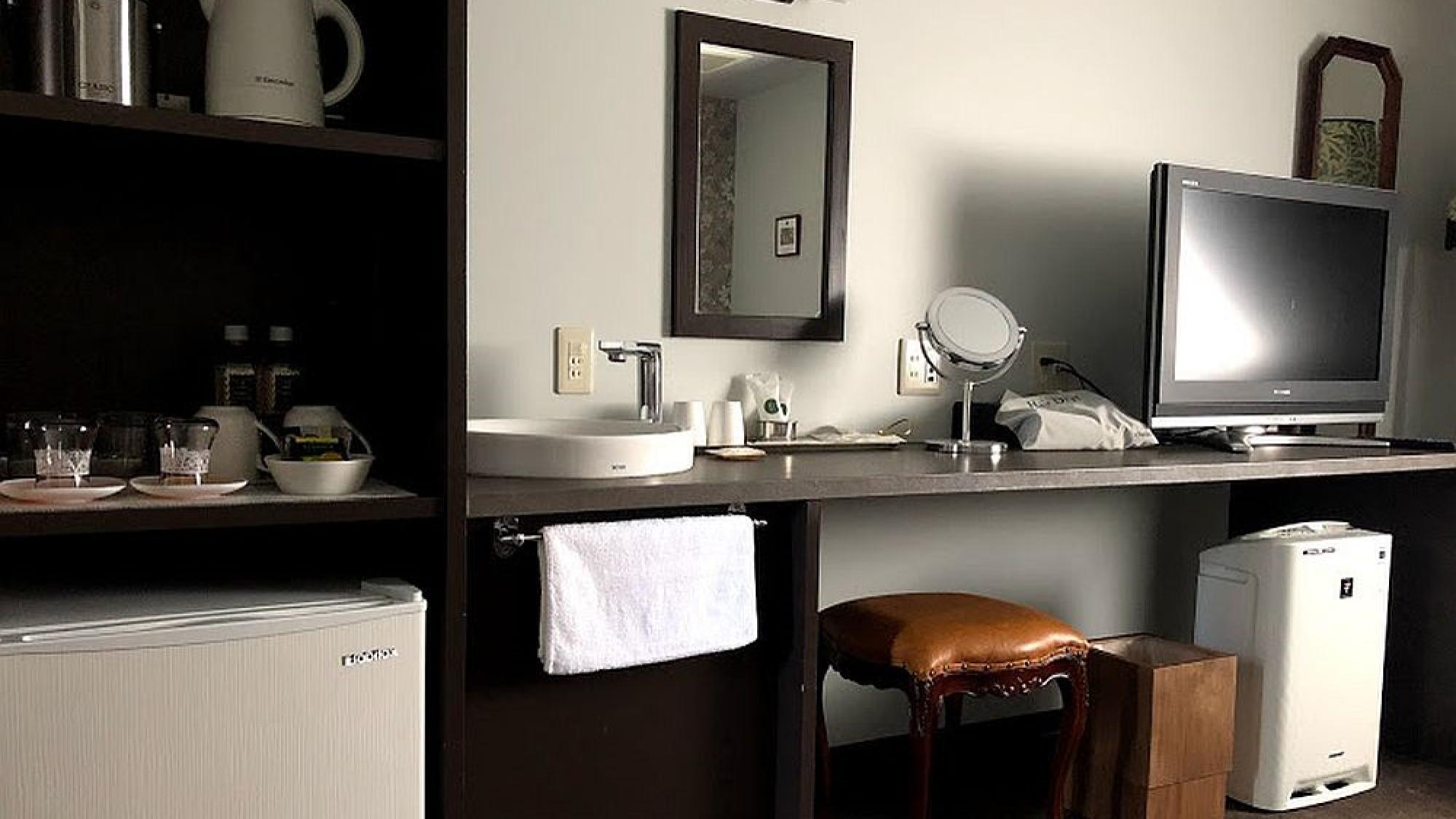 【室内設備】 ツインルームの設備です