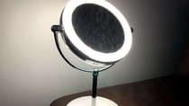 【全客室共通】LEDライト付き拡大鏡
