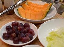 新鮮なフルーツは女性やお子様にも好評をいただいております。
