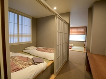 ファミリールームです。部屋によって多少異なります。