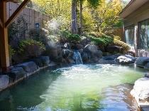 鹿の湯・露天風呂