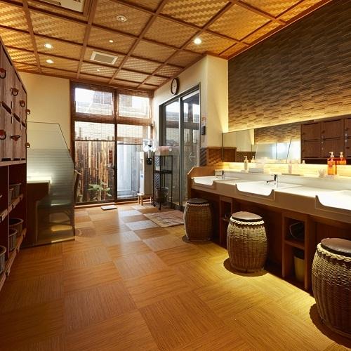 大浴場・脱衣所(2)
