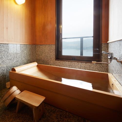 8階最上階特別室|ヒノキ風呂