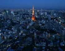 【東京タワー】東京メトロ日比谷線「神谷町」下車。「銀座駅」よりダイレクトアクセス
