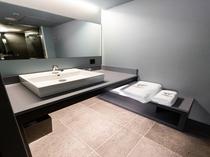 【スーペリアツインA】浴室スペースに設置の洗面台