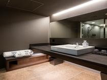 【デラックスツインA】浴室スペースに設置の洗面台