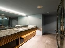 【スタンダードキング】洗面スペース・シャワーブース