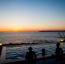 お天気が良ければ、露天風呂からも夕陽をご覧いただけます