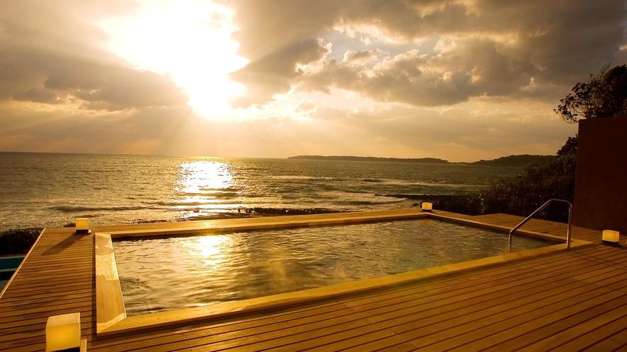 夕陽を見ながらの露天風呂