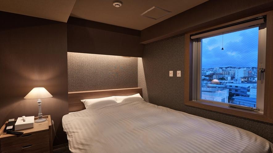 【ダブルルーム】全室に空気清浄機付きなので、お子様とご一緒のお客様も安心してご宿泊できます。