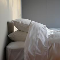 枕はソフトタイプとハードタイプの2つをセットでご用意しております。