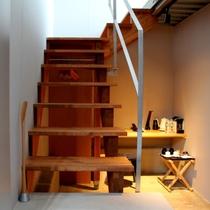 階段って気持ちがわくわくしますよね♪