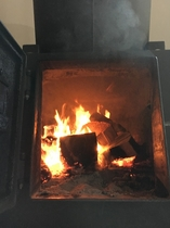 薪ストーブはココロもカラダも温まる!