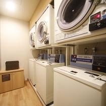 ◆無料のランドリーコーナー◆ ★洗濯機は無料、乾燥機30分100円