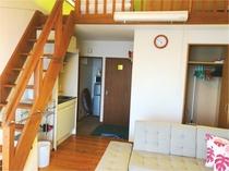 コテージ内リビングスペース(3名様部屋)