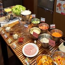 【無料朝食】営業時間6:30~9:00 (最終入場8:30)サンドウィッチバイキング