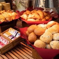 【Organic】毎日ホテルで焼き上げる自慢の焼きたてパン♪クロワッサンはさっくさくです♪