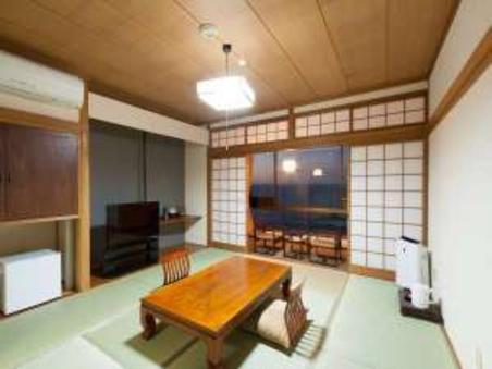 【海側】和室6畳+4.5畳バス トイレ付き