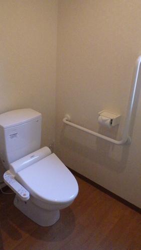 本館・バリアフリー対応客室内トイレ