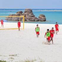 アラハビーチ(ARAHA BEACH)ビーチサッカーを楽しむ