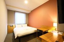 客室 ダブルルーム 13平米 140センチ幅ベッド1台