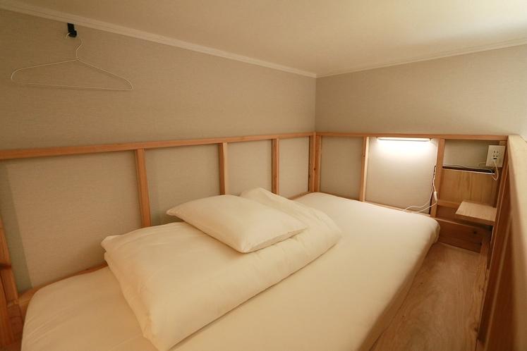 ベッド上段_3