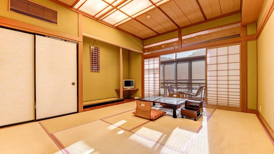 *和室10畳一例/窓際の広縁スペースが付いた純和風のお部屋