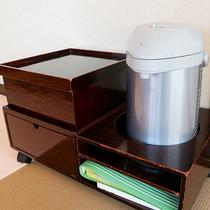*客室一例/湯沸しポットやお茶セットをご用意しています