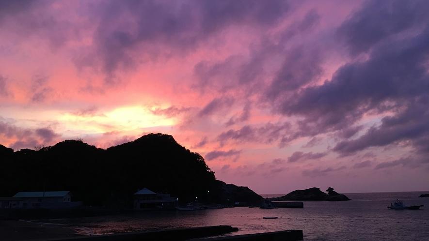 *周辺景色/雲見海岸の美しい夕焼け
