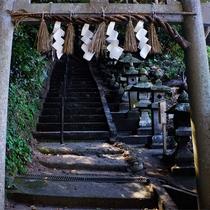 *烏帽子山/途中の神社でお参りしながら約30分のハイキング