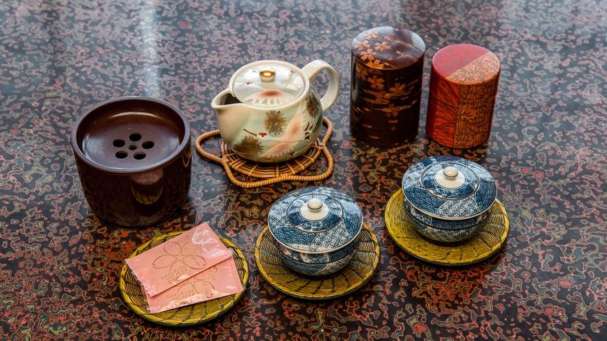 *客室一例/ご到着後はお茶と銘菓でひとやすみ♪