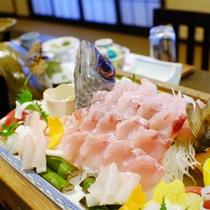 *夕食一例/その時期1番美味しいお魚をさばきたてでお出しします