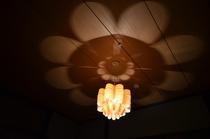 和室のおしゃれな照明