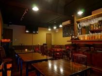 【winebar我忘】 温泉宿とは異なる空間で、お酒や料理、 音楽をお楽しみいただけます。
