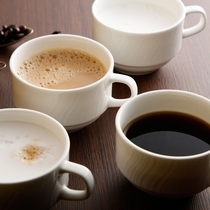 【朝食ブッフェ】コーヒー、カフェオレ、カプチーノなど。お好きなメニューをお愉しみください。