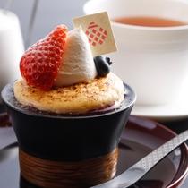 【ガーデンラウンジ】ケーキセット ホテルメイドのお好きなケーキをお選びいただけます(イメージ)