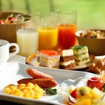 """【朝食ブッフェ】気持ちのよい朝の時間を""""みまさかキッチン""""で(イメージ)"""