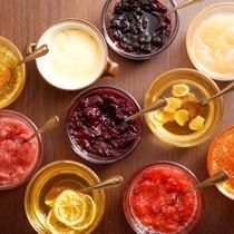 【朝食ブッフェ】はちみつやフルーツジャムのスプレッドが充実(イメージ)