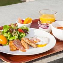 【ご朝食】リゾートの朝は美味しい朝食でスタート。