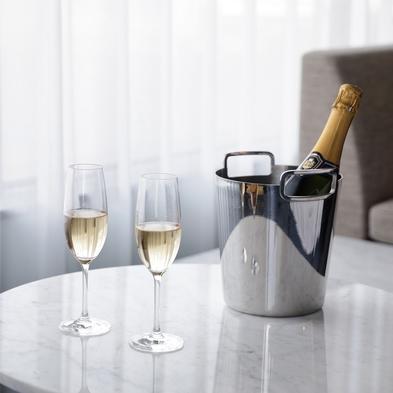 【ロマンスパッケージ】最高の記念日を演出♪スパークリングワイン1本付