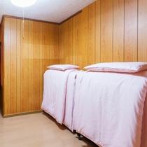 ツインベッドルーム(エキストラベッド×2台)